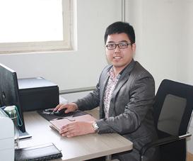韩冬青. 高级工程师 毕业于南京晓庄师范学院