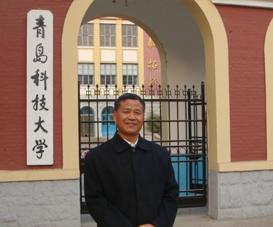 许增录.高级工程师,毕业于上海交通大学模具设计与制造专业
