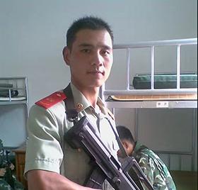 陈波:大学专科,中共党员,2005年----2010年云南武警南总队,在此期间两次荣获..班长